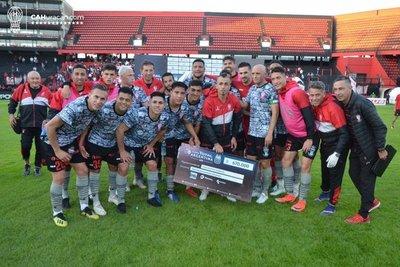 Saúl Salcedo marca en la victoria de Huracán