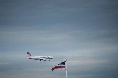 """Venezuela ve """"muy grave"""" la suspensión de vuelos decretada por EE.UU."""