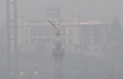 Tránsito restringido y clases suspendidas en México por contaminación