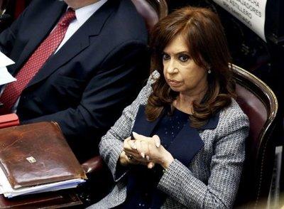 Critican en Argentina posible postergación de juicio a Kirchner