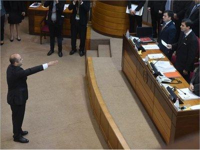 Arnaldo Franco jura como senador, en reemplazo de Víctor Bogado