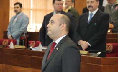 HOY / Asume Arnaldo Franco en reemplazo de Víctor Bogado