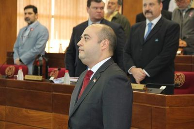Arnaldo Franco asumió en reemplazo de Víctor Bogado