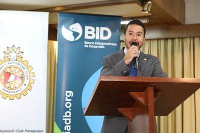 """Viceministro defiende programa """"Agenda Digital"""" del Mitic"""