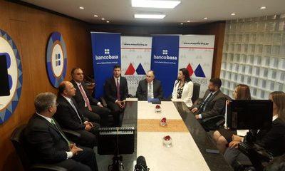 Banco Basa y Maquiladoras del Paraguay firman alianza
