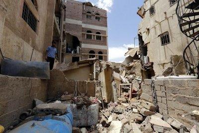 Arabia Saudí acusa a Irán y bombardea a los rebeldes en Yemen