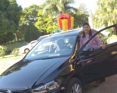 ¡Haedo le regaló  un auto a su mami!
