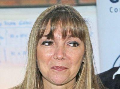 Bacigalupo cambia a cuestionada directora