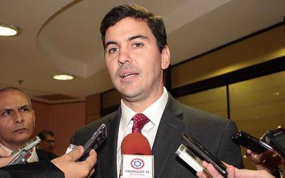 Santiago Peña resalta el crecimiento del sector de maquiladoras