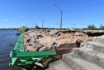 Costanera de Pilar, al borde del colapso