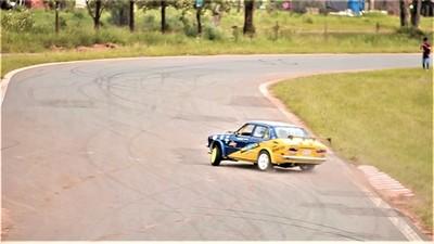 Expertos impartirán cursos de derrape para vehículos de competición