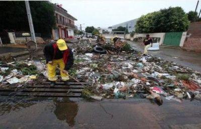 Se recuerda a la ciudadanía que multas por tirar basura esta en vigencia