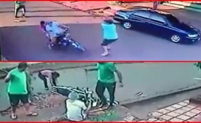 A golpes de palo, vecinos de San Roque capturan a motochorro