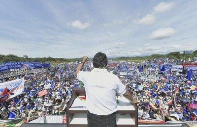 Evo Morales comienza su campaña para la reelección ante miles de seguidores