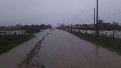 En Ñeembucú varios distritos aún permanecen bajo agua