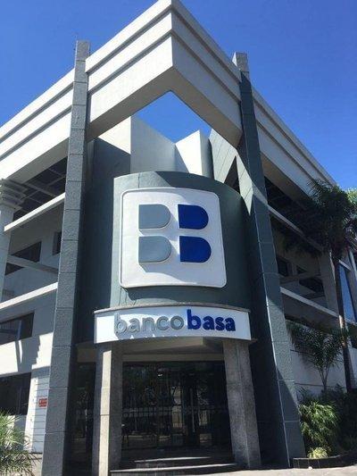 Banco Basa es investigado por lavado de dinero, según la prensa brasileña
