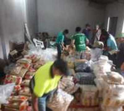 Gobierno entregó casi 1.500 toneladas de alimentos a damnificados