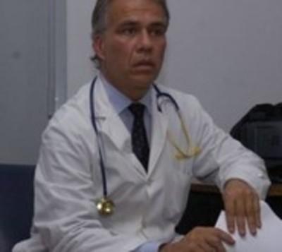 Pedirán suspender a doctor que habría agredido a directora de hospital