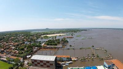 En Asunción, el nivel del agua está cerca del desastre