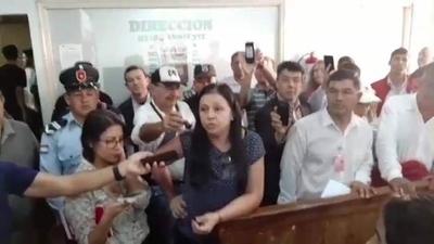 HOY / Incidentes en CDE durante censo a funcionarios: mil fueron contratados en solo 2 meses