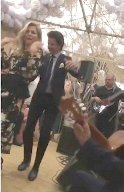 Prohíben mostrar baile de la reina