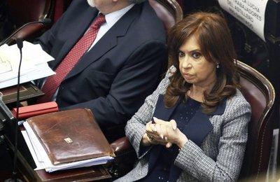 Cristina afronta primer juicio, entre una docena, por casos de corrupción