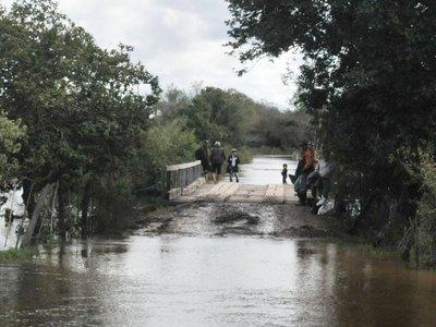 Caminos destrozados e intransitables tras lluvias en varios departamentos