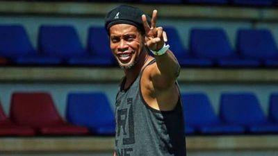 Ahora sí, el astro Ronaldinho viene a Paraguay