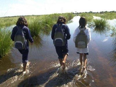 Los niños son los más afectados tras las inundaciones, dice ministra