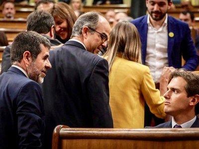 Parlamento español se inaugura con gresca y augura una legislatura tensa
