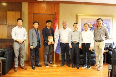 Primera industria Coreana arriba al país