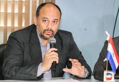 Huelga de médicos: Viceministro asegura que no se suspenderán los servicios