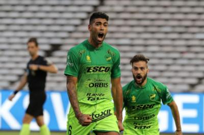 HOY / Olimpia podría mejorar su oferta por el argentino Barboza