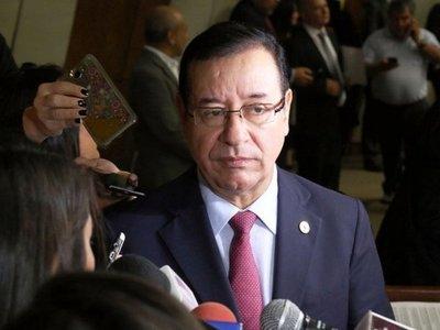 Miguel Cuevas se considera un perseguido y no piensa renunciar