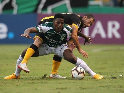 Cali rescata un empate agónico en su casa ante Peñarol