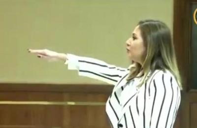 Lorena Segovia juró como Defensora General