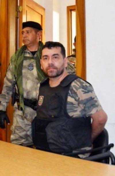 Suspenden juicio a Alcides Oviedo