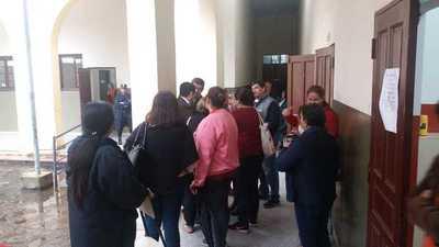 Docentes exigen presencia de autoridades del MEC por hechos de violencia
