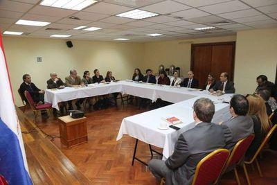 Magistrados se reunieron con exrelator de la NN.UU.