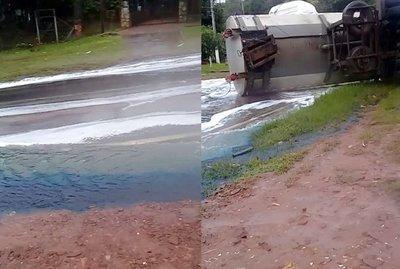 Combustible derramado por camión transportador ya fue tapado y no hay peligro