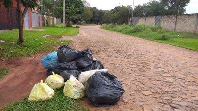 Quejas por falta de recolección de basuras en Luque