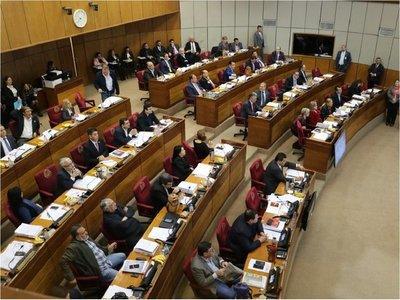 Senado niega ascenso a comisario involucrado en 31M