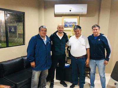 Carlos Humberto Paredes asume en Independiente CG