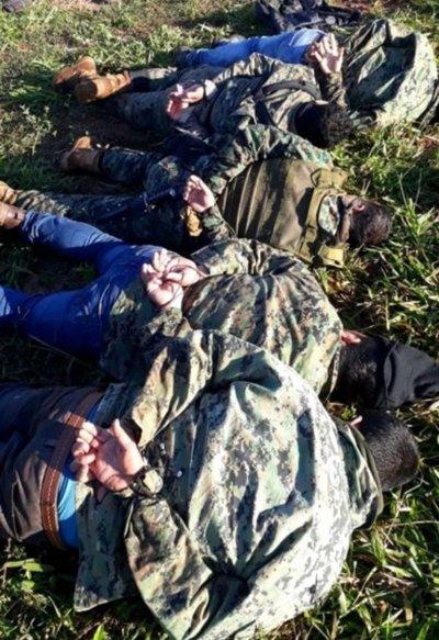 Policías acamparon durante tres días en espera de narcoavioneta boliviana
