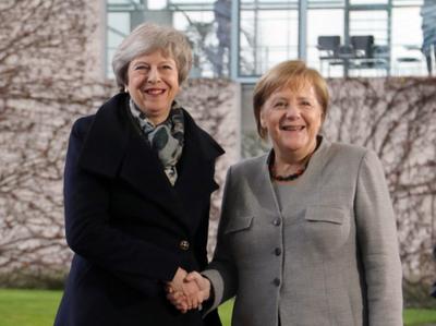 Merkel respeta la decisión de May y subraya importancia de «brexit» ordenado
