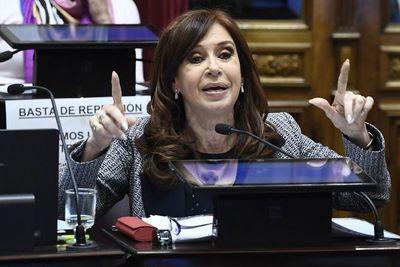 Juez argentino pide remoción de fiscal que acusa a expresidenta Kirchner