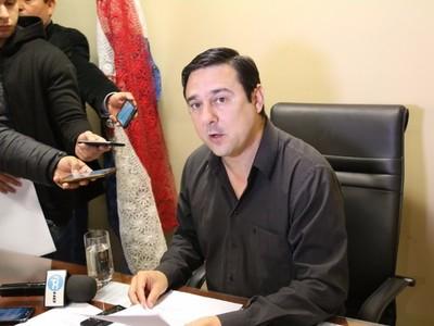 El parlamentario no debería de tener jubilación, opinó Antonio Buzarquis