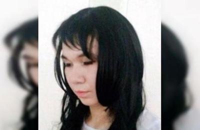 Joven se disfrazó de mujer para hacerse pasar por su novia en un examen