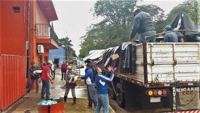 Distribuyen 40 mil kilos de alimentos a familias damnificadas en Ñeembucú