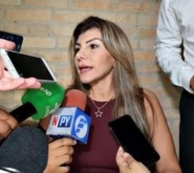CDE: Perla Rodríguez se despidió de cargo con millonario viático